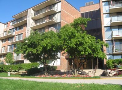 2 S Atrium Way UNIT 203, Elmhurst, IL 60126 - #: 10155094