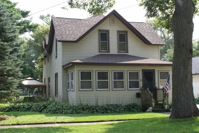 5 N Jefferson Street, Harvard, IL 60033 - #: 10302573