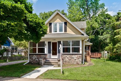 250 Ash Street, Crystal Lake, IL 60014 - #: 10348437