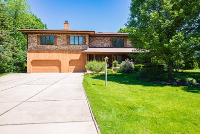 14 Meadowood Drive, Oak Brook, IL 60523 - #: 10354199