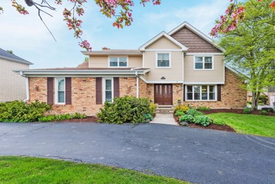 2S651  Avenue Latour, Oak Brook, IL 60523 - #: 10382501
