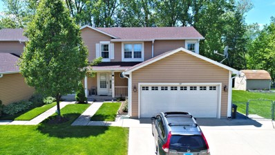 18 Berkshire Court, Streamwood, IL 60107 - #: 10400164