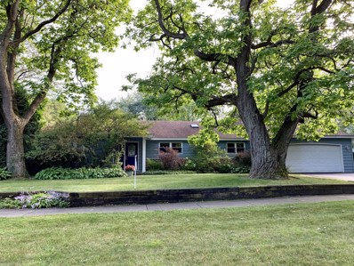 303 Thornwood Lane, Lake Bluff, IL 60044 - #: 10401694