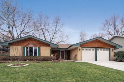 21W561  Buckingham, Glen Ellyn, IL 60137 - #: 10403731