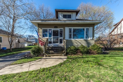 24 W Maple Avenue, Roselle, IL 60172 - #: 10406855
