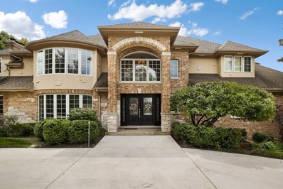 33 Royal Vale Drive, Oak Brook, IL 60523 - #: 10442820