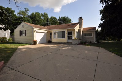 245 W Crystal Lake Avenue, Crystal Lake, IL 60014 - #: 10452237