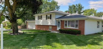 18 Lincoln Street, Lake In The Hills, IL 60156 - #: 10491746