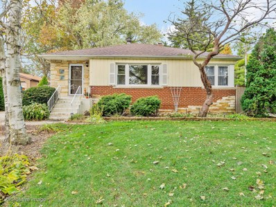 900 Meadowlawn Avenue, Downers Grove, IL 60516 - #: 10567784