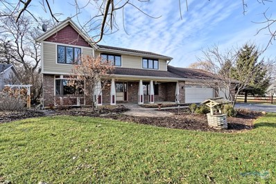 2S450  Center, Warrenville, IL 60555 - #: 10588382