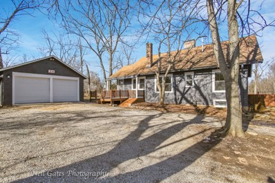 34 S LAKE Drive, West Chicago, IL 60185 - #: 10606775