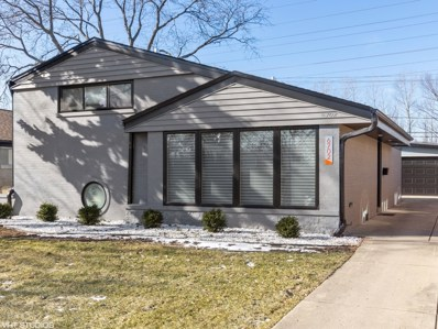 6702 N Kenneth Avenue, Lincolnwood, IL 60712 - #: 10645682
