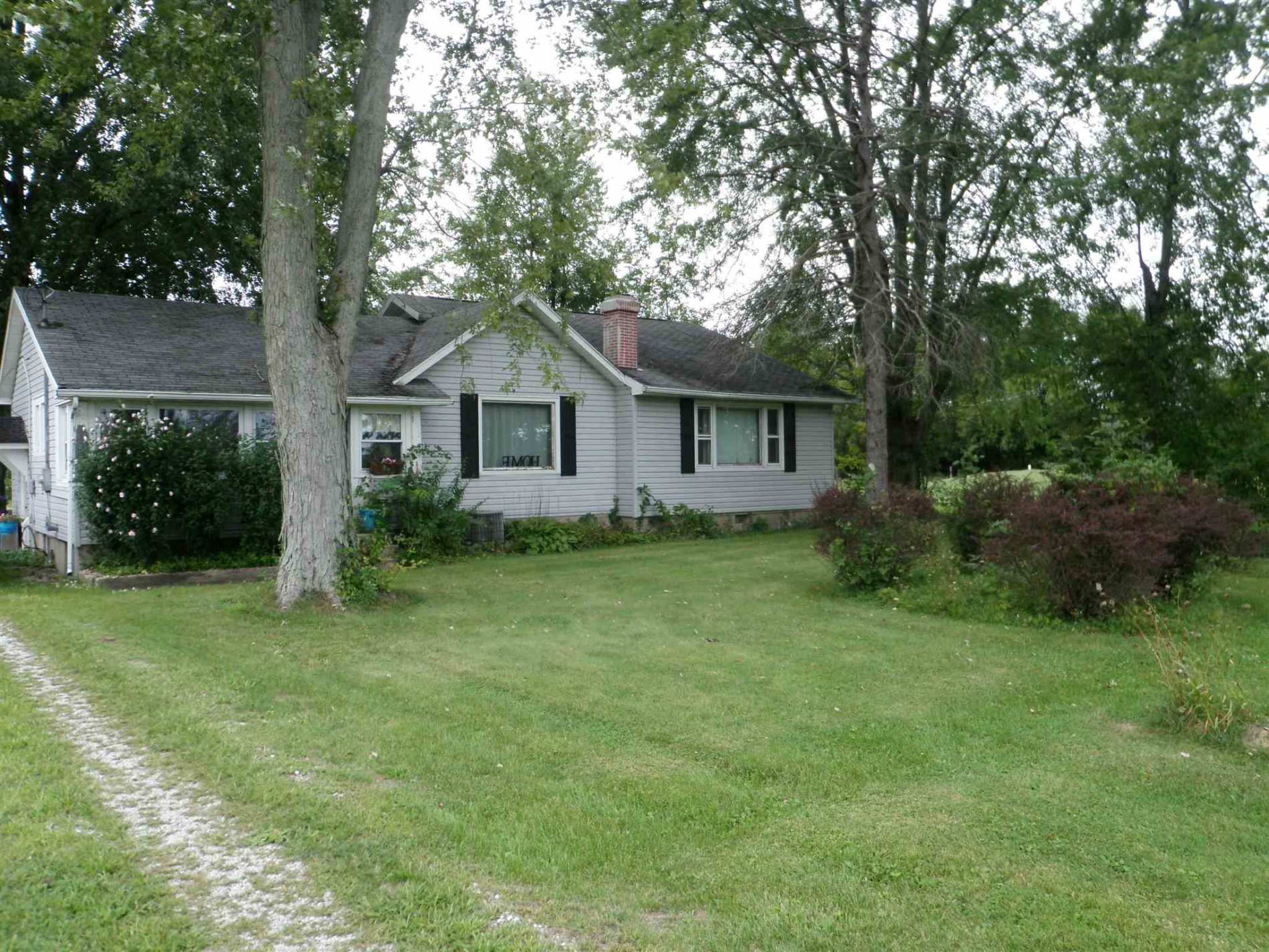 60151 Grass Road, South Bend