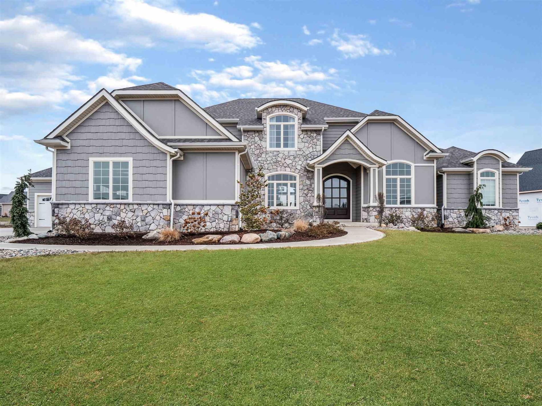 3215 Breyerton Cove, Fort Wayne