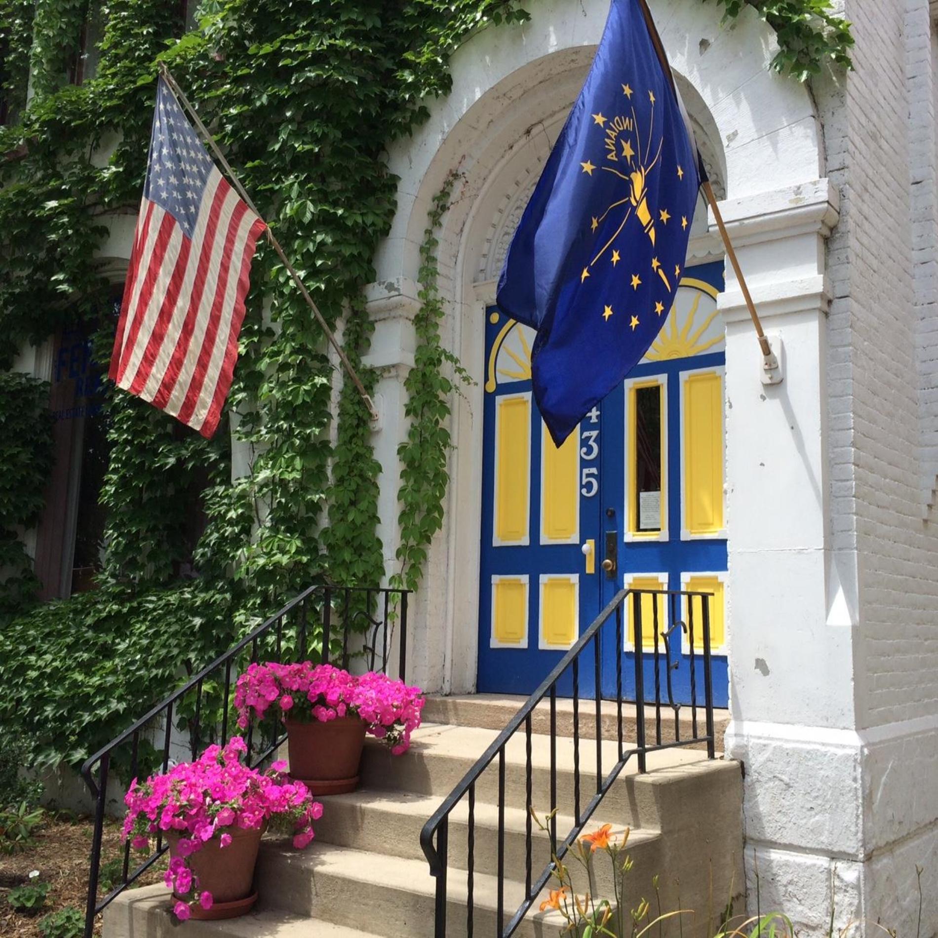 435 E Berry Street,