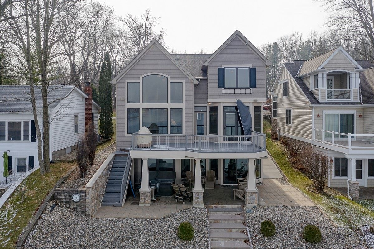 806 S Clear Lake Drive, Fremont