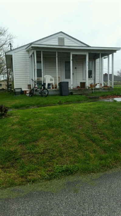 512 W Mississippi Ave, Mitchell, IN 47446 - #: 201816237