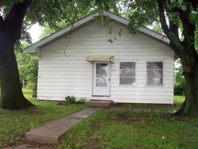 210 SE 12TH St., Linton, IN 47441 - #: 201825642