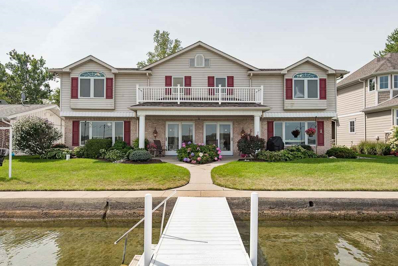 746 S Clear Lake Dr, Fremont, IN 46737 - #: 201838404