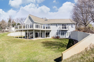 160 Lane 220 Lake Gage, Angola, IN 46703 - #: 201850939