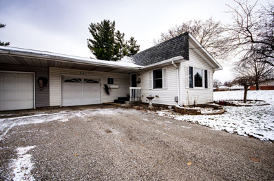 301 E Woodview Drive, Nappanee, IN 46550 - #: 201852103