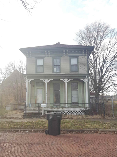 121 Studebaker, South Bend, IN 46628 - #: 201904017