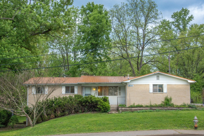 600 W Country Club, Bloomington, IN 47403 - #: 201918453