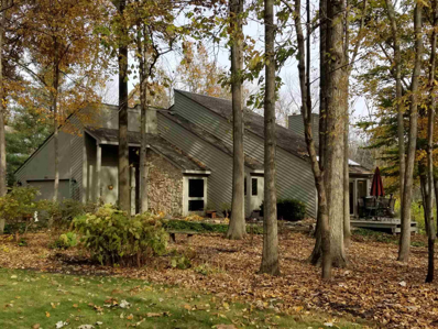 10020 Saint Clair\'s Retreat, Fort Wayne, IN 46825 - #: 201939873