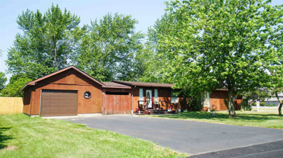524 N Holly, Monon, IN 47959 - #: 202005903
