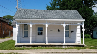 104 E Pearl, Syracuse, IN 46567 - #: 202017010