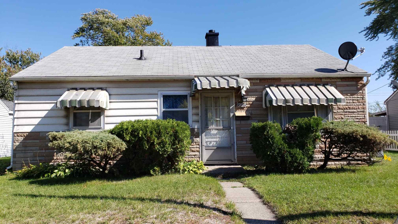 1906 Benham, Elkhart, IN 46516 - #: 202041919