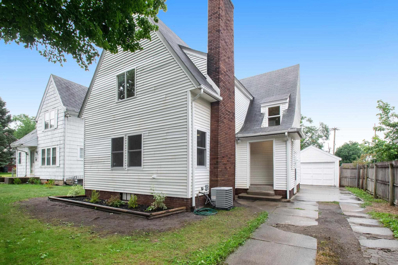 3205 S Michigan, South Bend, IN 46614 - #: 202128609