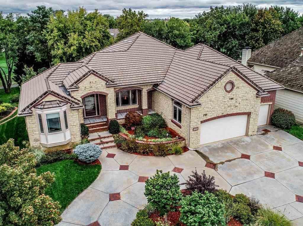 8407 W Northridge Rd