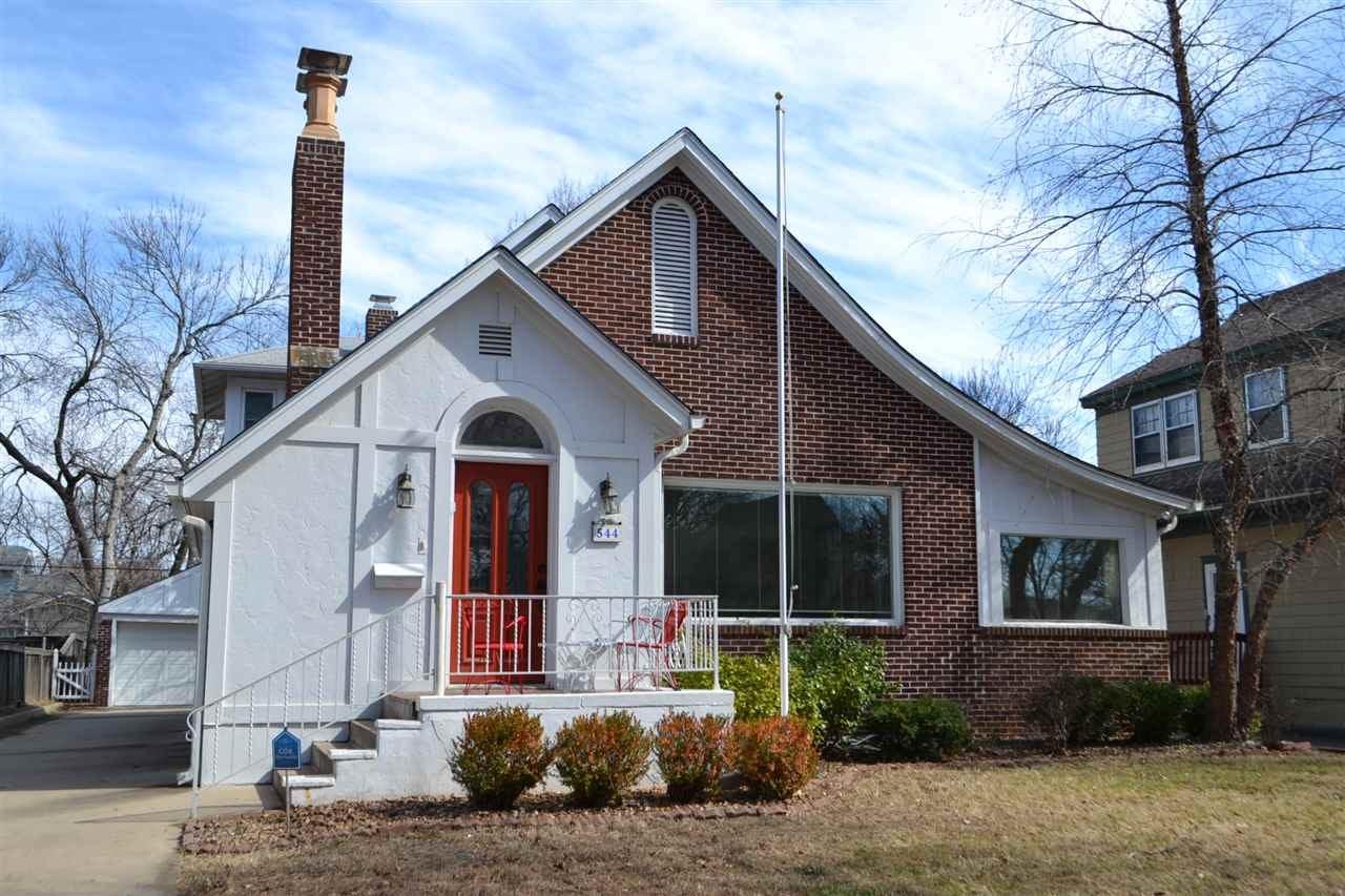 544 N Broadview St