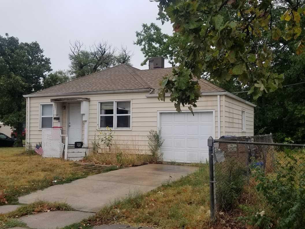2201 E Mossman Ave