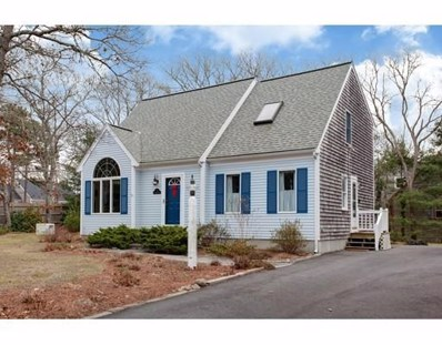 4 Spectacle Pond Dr, Falmouth, MA 02536 - #: 72443968