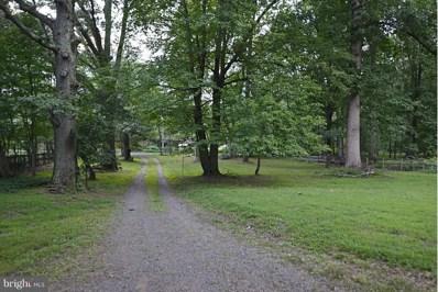 215 Deepwoods Drive, Great Falls, VA 22066 - #: 1000059201