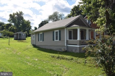 631 Third Street, Martinsburg, WV 25401 - MLS#: 1000091449