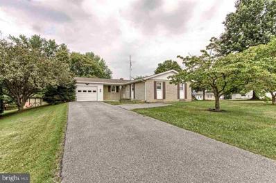 128 Pin Oak Lane, Shippensburg, PA 17257 - MLS#: 1000786219
