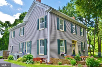 207 Church Street, Woodstock, VA 22664 - #: 1001956386