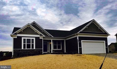 1 Stormfield Drive W, Martinsburg, WV 25403 - #: 1002141340