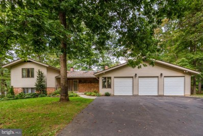 18900 Woodway Drive, Rockville, MD 20855 - #: 1002174484
