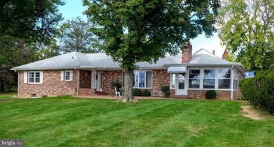 402 Holliday Street, Strasburg, VA 22657 - #: 1002288066