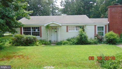 15 Cedar Lane, Colonial Beach, VA 22443 - #: 1003443366