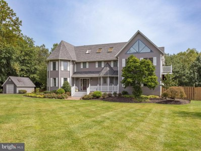 901 Falls Bridge Lane, Great Falls, VA 22066 - #: 1004240464