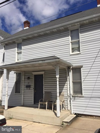 27 S Queen Street, Shippensburg, PA 17257 - #: 1005485768