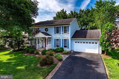 5233 Glen Meadow Road, Centreville, VA 20120 - #: 1005610628