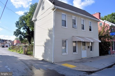 135 3RD Street S, Chambersburg, PA 17201 - #: 1005612798