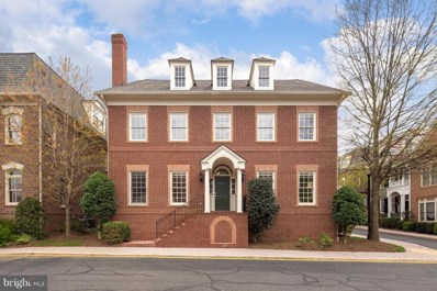 7217 Farm Meadow Court, Mclean, VA 22101 - #: 1005747770