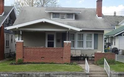 389 E McKinley Street, Chambersburg, PA 17201 - #: 1008362070